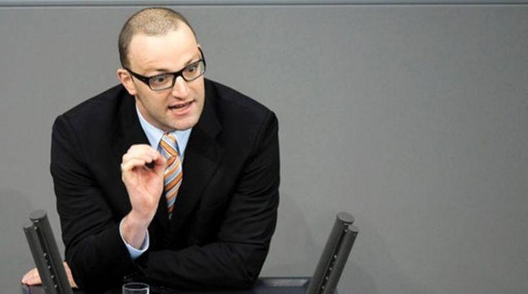 Γενς Σπαν: Είναι έτοιμη η Γερμανία να επιλέξει έναν δεξιό ομοφυλόφιλο για διάδοχο της Μέρκελ | tovima.gr