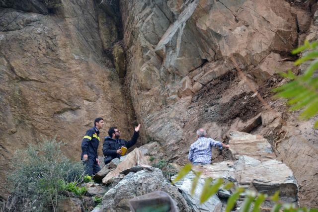 Αυτοψία στη Μυτιλήνη από Λέκκα μετά την κατολίσθηση | tovima.gr