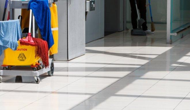 Ελεύθερη η 53χρονη καθαρίστρια – Οι πρώτες της δηλώσεις | tovima.gr
