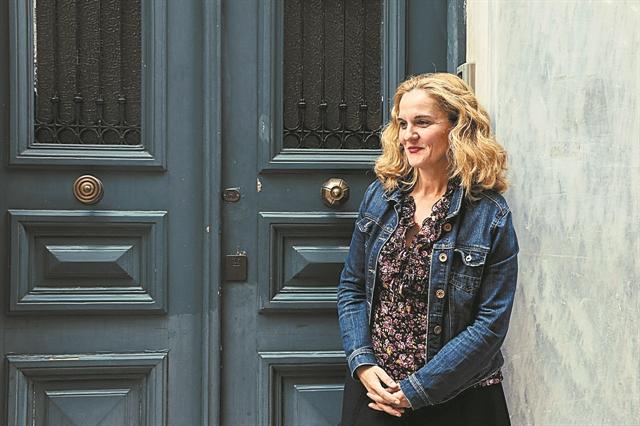 Μαριάννα Κάλμπαρη : «Το θέατρο δεν είναι μόνο εισιτήρια» | tovima.gr
