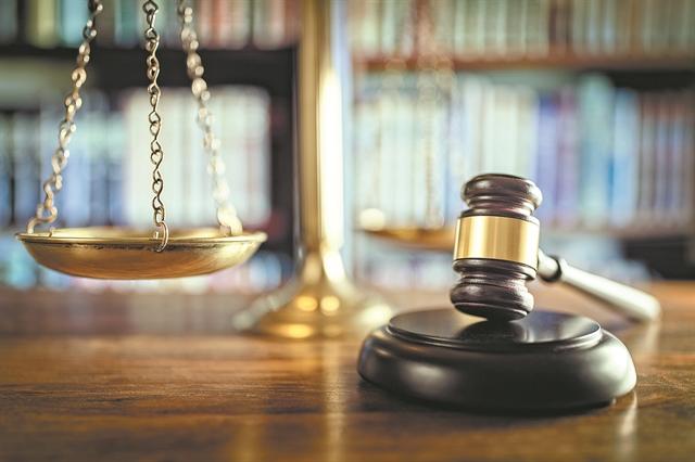 Επιχείρηση «δικαστική ομηρεία» εν όψει κάλπης | tovima.gr