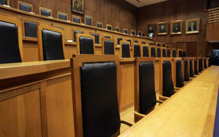 Δημοψήφισμα για τη συνταγματική αναθεώρηση από τους διοικητικούς δικαστές | tovima.gr