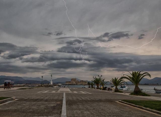 «Πηνελόπη»: Μας επισκέφθηκε με 16.200 κεραυνούς και ριπές ανέμων έως 113 χλμ   tovima.gr