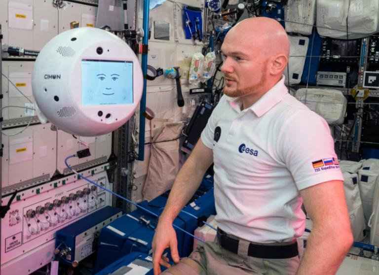 Συνομιλία αστροναύτη – ρομπότ μέσα στο Διεθνή Διαστημικό Σταθμό (ISS)   tovima.gr