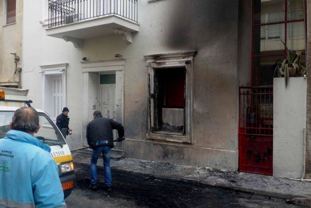 Επίθεση με μολότοφ στην οικία  του Φλαμπουράρη | tovima.gr