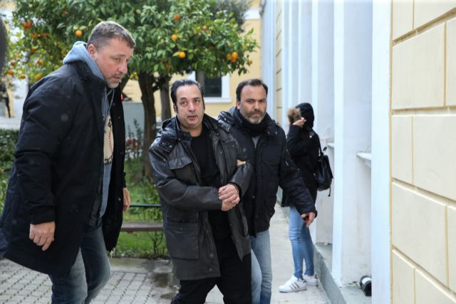 Prosecutor's office blocks release of pawn shop owner 'Rihardos' | tovima.gr
