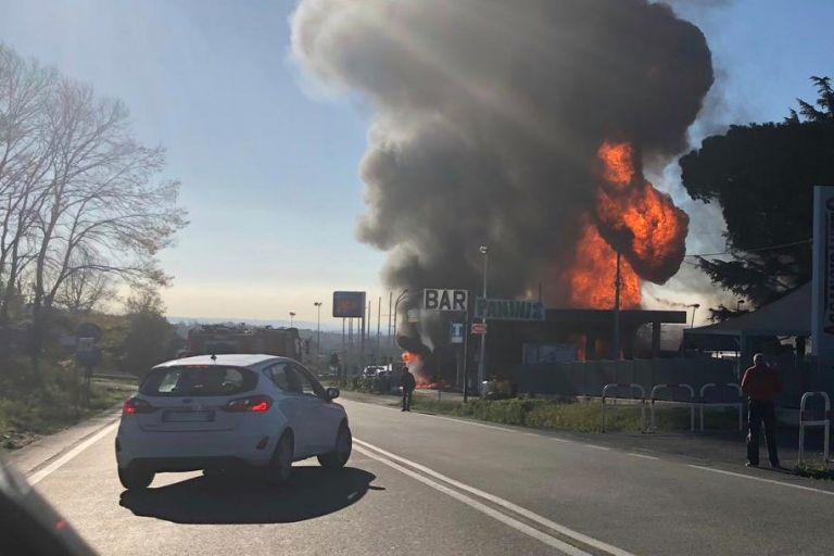 Ιταλία: Nεκροί από έκρηξη σε βενζινάδικο | tovima.gr