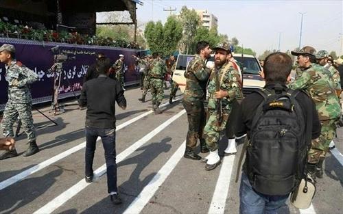 Ιράν: Τρεις νεκροί από βομβιστική επίθεση κοντά σε αστυνομικό τμήμα | tovima.gr