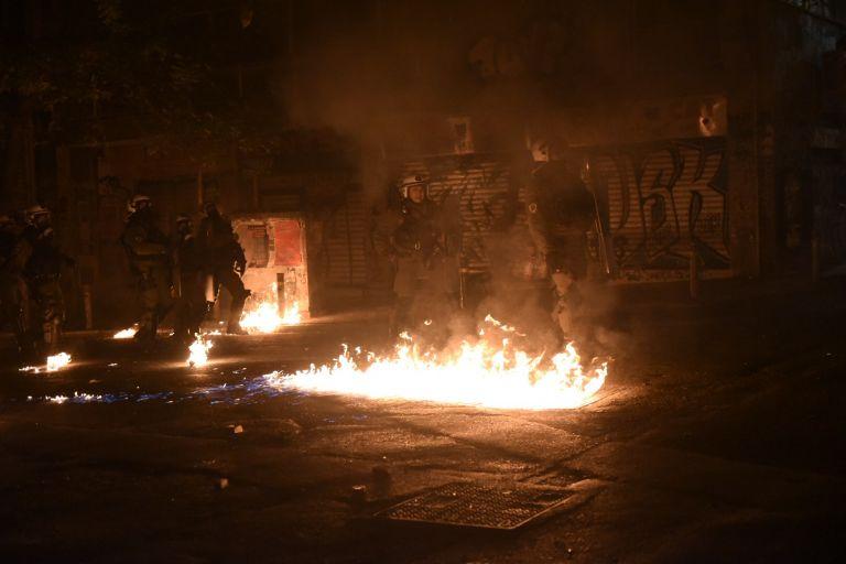 Κλειστό το κέντρο της Αθήνας – Επεισόδια στα Εξάρχεια – Φωτιά σε διαμέρισμα | tovima.gr