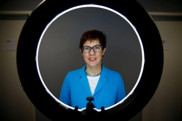 CDU: Το προφίλ της Άνεγκρετ Κραμπ – Καρενμπάουερ και οι στόχοι της | tovima.gr