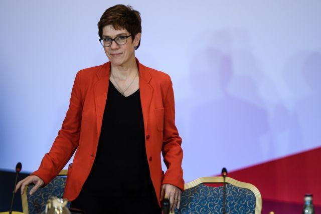 Γερμανία – CDU: Η Άνεγκρτ Κραμπ – Κάρενμπαουερ, η εκλεκτή της Μέρκελ | tovima.gr