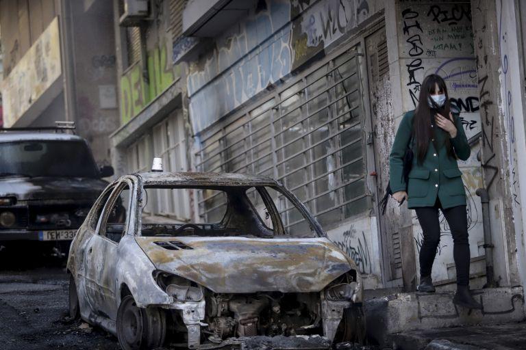 Ποιοι είναι οι συλληφθέντες για τα επεισόδια στα Εξάρχεια | tovima.gr