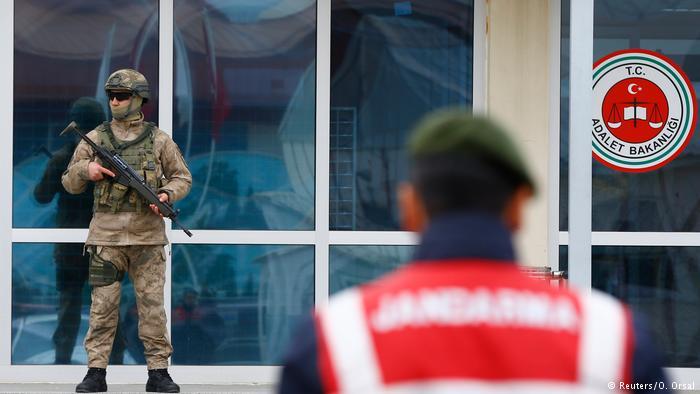 Στη φυλακή λόγω προσβολής του προέδρου Ερντογάν | tovima.gr