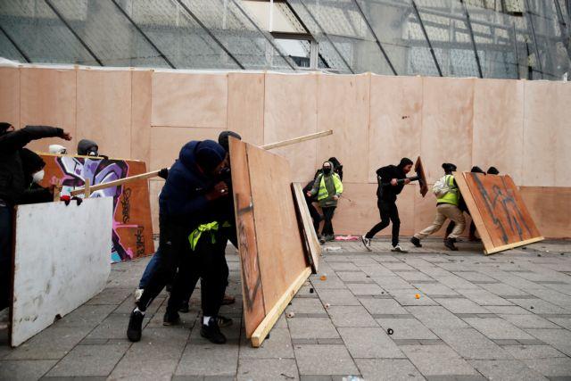 Παρίσι – Κίτρινα Γιλέκα: Συμπλοκές και δεκάδες συλλήψεις | tovima.gr