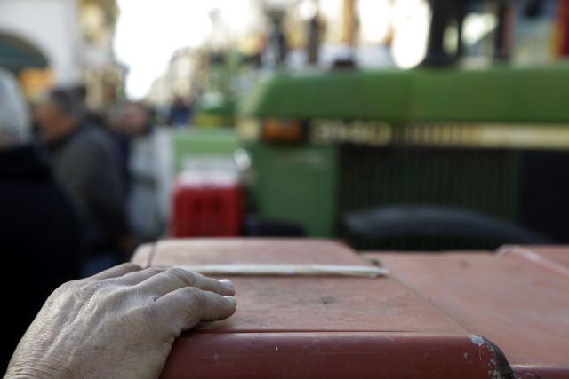 Κατεβάζουν τα τρακτέρ στους δρόμους οι αγρότες | tovima.gr