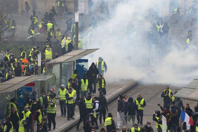 Γαλλία – Λεμέρ: Τα «κίτρινα γιλέκα» χτύπησαν και την ανάπτυξη | tovima.gr