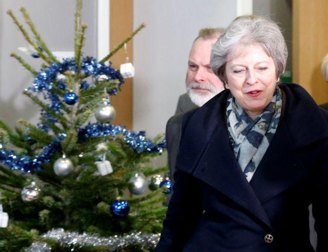 Βρετανία: Στο προσκήνιο πρόταση μομφής κατά της Μέι | tovima.gr