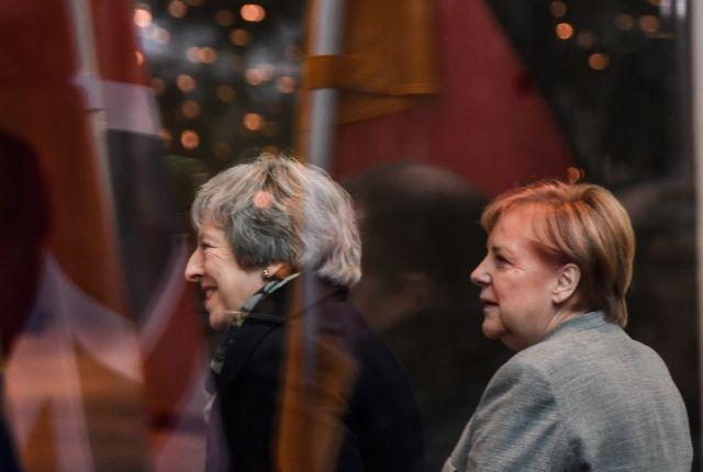 Βρετανία – Μέι: Με την πλάτη στον τοίχο η βρετανίδα πρωθυπουργός | tovima.gr