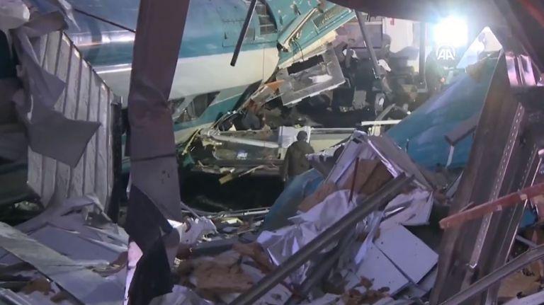 Αγκυρα : Αμαξοστοιχία υψηλής ταχύτητας συγκρούστηκε με τοπικό τρένο- Τουλάχιστον 4 νεκροί και δεκάδες τραυματίες | tovima.gr