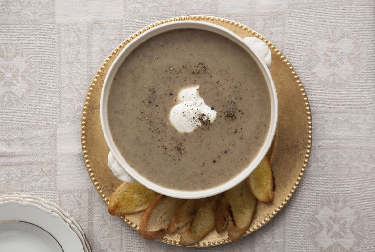 Μανιταρόσουπα με γιαούρτι αρωματισμένο με τρούφα | tovima.gr