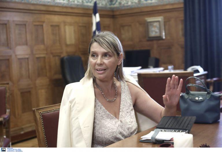 Παπακώστα: Αποτροπιασμό προκαλούν τέτοιες ενέργειες τρομοκρατικού τύπου με τυφλή βία   tovima.gr