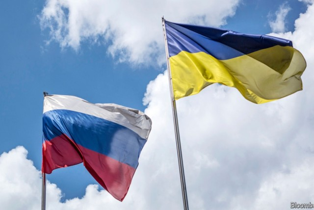 Η Μόσχα στέλνει μαχητικά αεροσκάφη στη Κριμαία – Ανεβαίνουν οι τόνοι | tovima.gr
