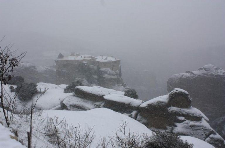 Νομός Τρικάλων: Κλειστά σχολεία και νηπιαγωγεία στο δήμο Μετεώρων λόγω χιονιού | tovima.gr