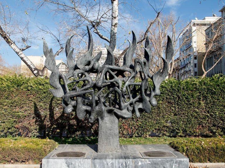 Παρέμβαση εισαγγελέως Αρείου Πάγου για τη βεβήλωση του Μνημείου του Ολοκαυτώματος στη Θεσσαλονίκη   tovima.gr