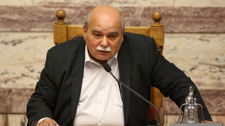 Ο Βούτσης «πετά το γάντι» στον Μητσοτάκη: Το Σύνταγμα προβλέπει διαδικασία πρότασης μομφής κατά του ΠτΒ | tovima.gr