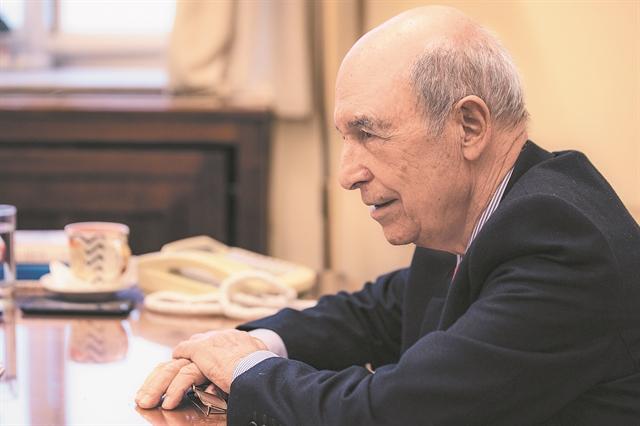 Κώστας Σημίτης: «Είναι βέβαιο ότι η Ελλάδα θα προσφύγει ξανά σε δανεισμό από την ΕΕ» | tovima.gr