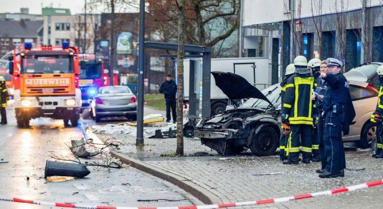 Συναγερμός στη Γερμανία: Αυτοκίνητο παρέσυρε πεζούς | tovima.gr