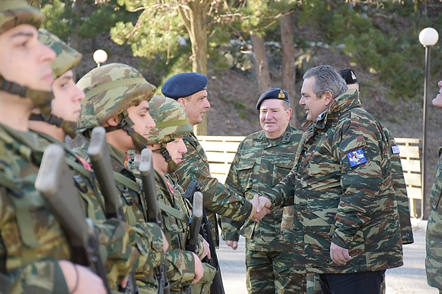 Ο τελευταίος αποχαιρετισμός στην κυβέρνηση | tovima.gr