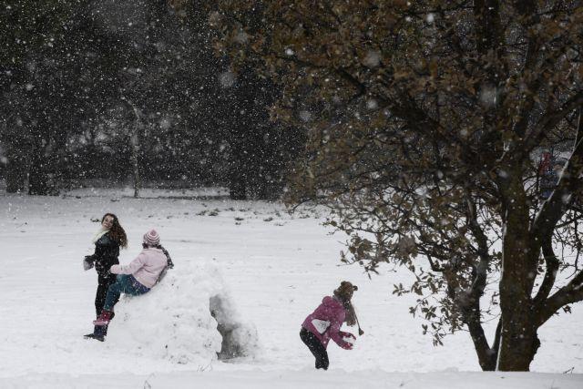 Χριστούγεννα με κρύο και χιόνια | tovima.gr