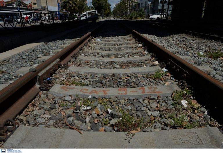 Κωνσταντινουπόλεως: Τρένο συγκρούστηκε με ΙΧ – Ενας τραυματίας | tovima.gr