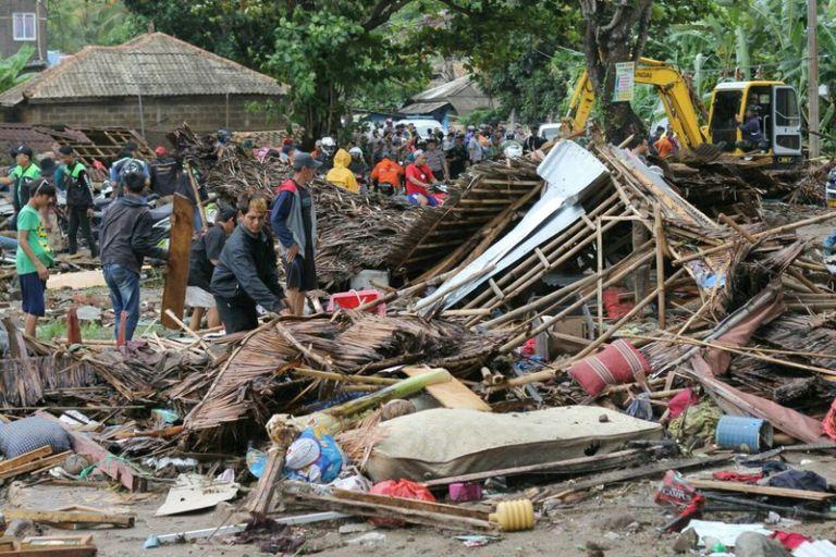Ινδονησία: Κίνδυνος για νέα φονικά κύματα εξαιτίας της ηφαιστειακής δραστηριότητας | tovima.gr