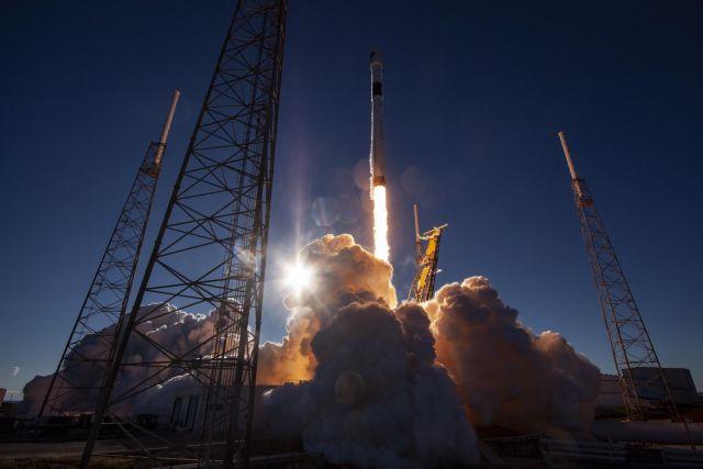 Η Space X εκτόξευσε τον πιο ισχυρό στρατιωτικό δορυφόρο GPS των ΗΠΑ | tovima.gr