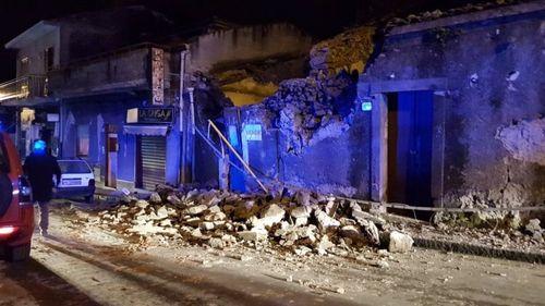 Σεισμός 4,8 Ρίχτερ στην Ιταλία: Επεσαν σπίτια στην Κατάνια – Φόβοι για εγκλωβισμένους | tovima.gr