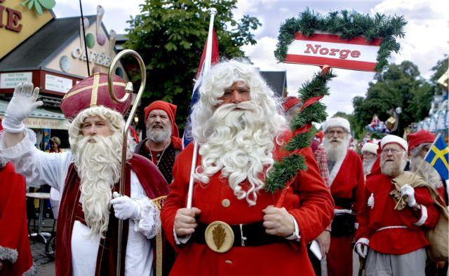 Εννιάχρονος:  Κάλεσε το «100» γιατί… δεν του άρεσαν τα δώρα του Άγιου Βασίλη | tovima.gr