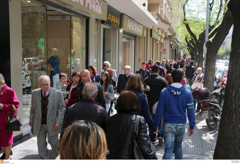 Αισιόδοξοι οι έμποροι για την κίνηση της εορταστικής περιόδου | tovima.gr