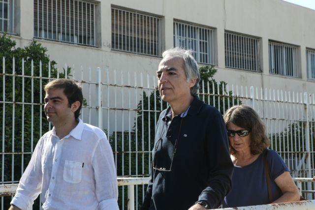 Εκτός φυλακής ο Κουφοντίνας για την Πρωτοχρονιά | tovima.gr