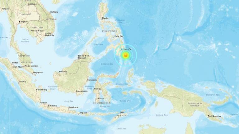 Σεισμός 6,9 Ρίχτερ στις Φιλιππίνες: Προειδοποίηση για τσουνάμι | tovima.gr