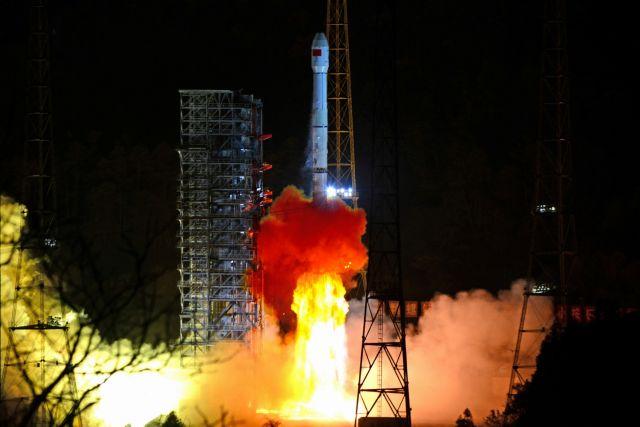 Κίνα: Κατακτά τη σκοτεινή πλευρά της Σελήνης | tovima.gr