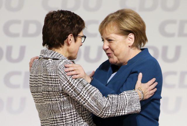 Η νέα ηγέτιδα των Χριστιανοδημοκρατών είναι πιο δημοφιλής από την Μέρκελ   tovima.gr