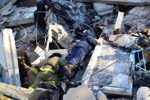Αυξήθηκε ο αριθμός των θυμάτων στο Μαγκνιτογκόρσκ | tovima.gr