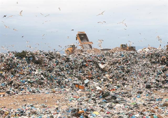 Αγώνας δρόμου για 40 νέες μονάδες σκουπιδιών | tovima.gr