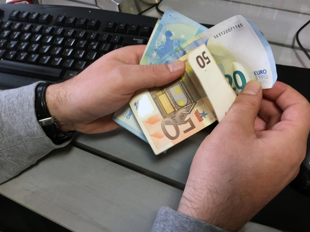 Προς ολιγόμηνη παράταση του νόμου Κατσέλη ως την αντικατάστασή του | tovima.gr