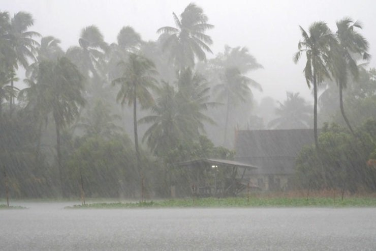 Η τροπική καταιγίδα Παμπούκ «διώχνει» τους τουρίστες από την Ταϊλάνδη | tovima.gr