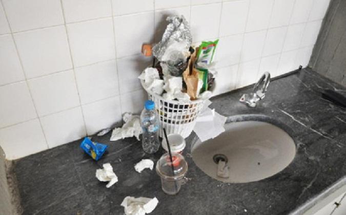 Χωρίς συνεργεία καθαρισμού και τα αστυνομικά τμήματα | tovima.gr