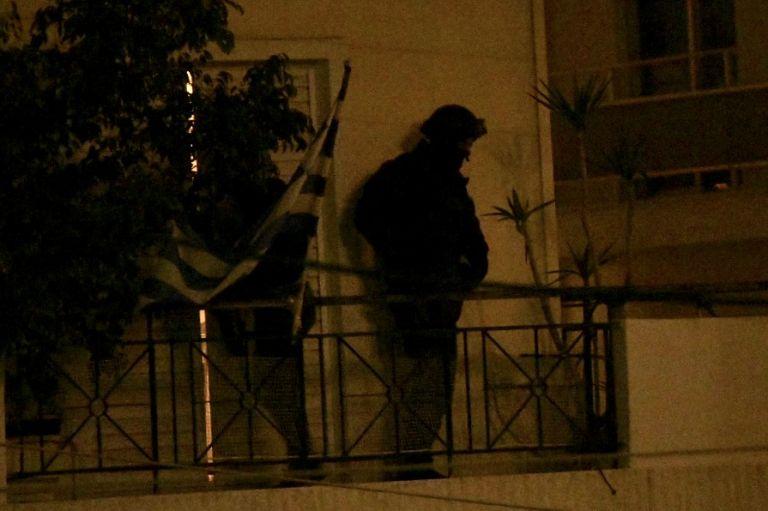 Επέμβαση : Τα ΕΚΑΜ συνέλαβαν τον ένοπλο στον Αγιο Δημήτριο (φωτό) | tovima.gr