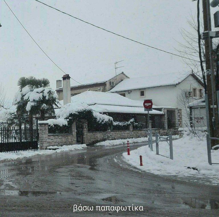 Τα πανέμορφα Ιωάννινα ακόμη πιο εύμορφα από το πρόσφατο χιόνι (εικόνες)   tovima.gr